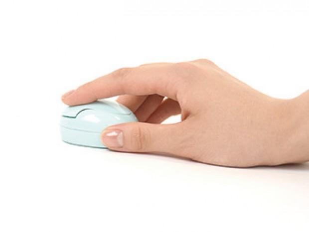 日本一公司推出长度仅5.5厘米,重25克超小型无线鼠标
